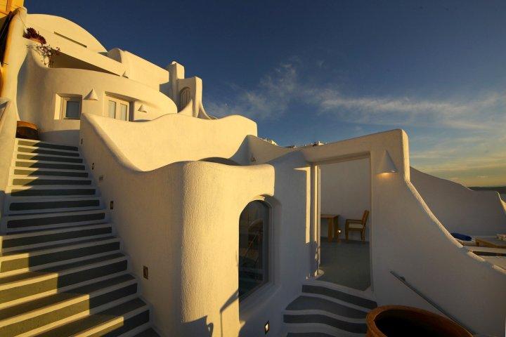 圣托里尼勒卡斯缇吉斯套房酒店(Ikastikies Suites Santorini)