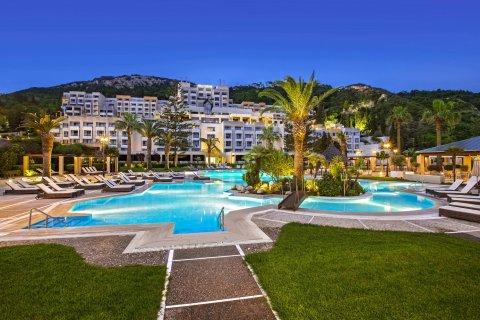 舍拉顿罗得岛度假酒店(Sheraton Rhodes Resort)