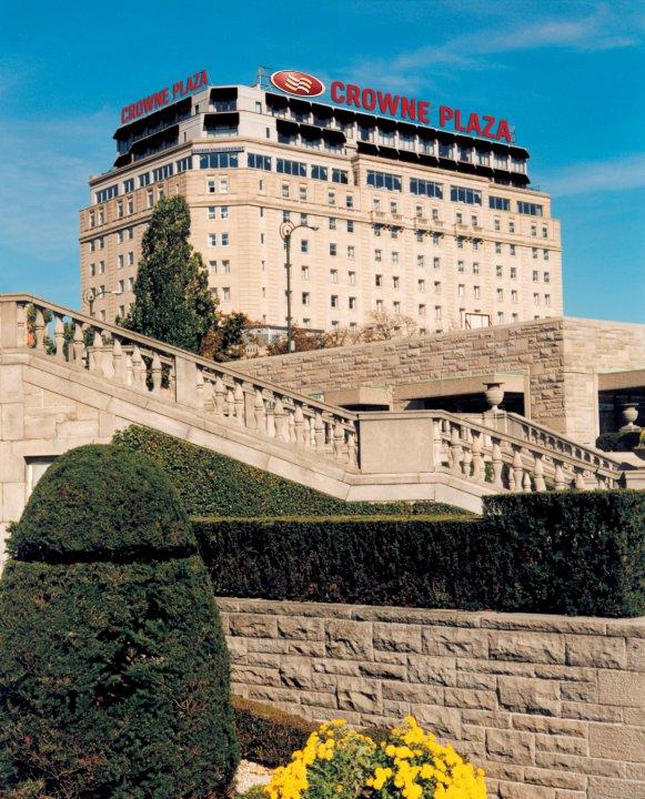 福尔斯维尤皇冠假日酒店(Crowne Plaza Niagara Falls-Fallsview, an Ihg Hotel)