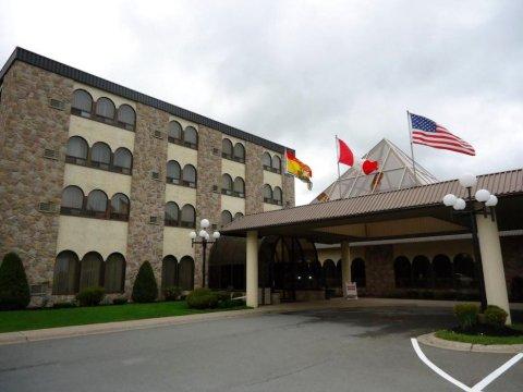 弗雷德里克顿酒店(The Fredericton Inn)