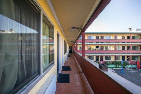 卡普里汽车旅馆(Motel Capri)