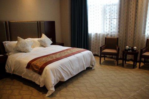 商南鹿城商务酒店
