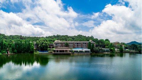 广州白云湖畔酒店(广东南湖旅游中心)