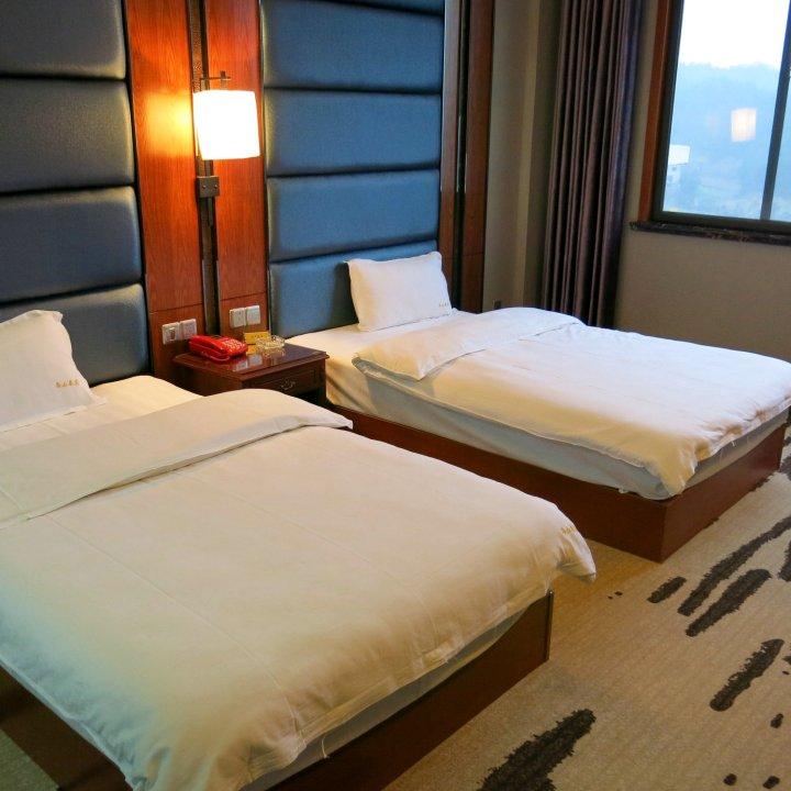 英山乌山春苑酒店