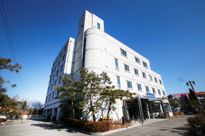 帕克伍德仁川机场酒店(Hotel Parkwood Incheon Airport)