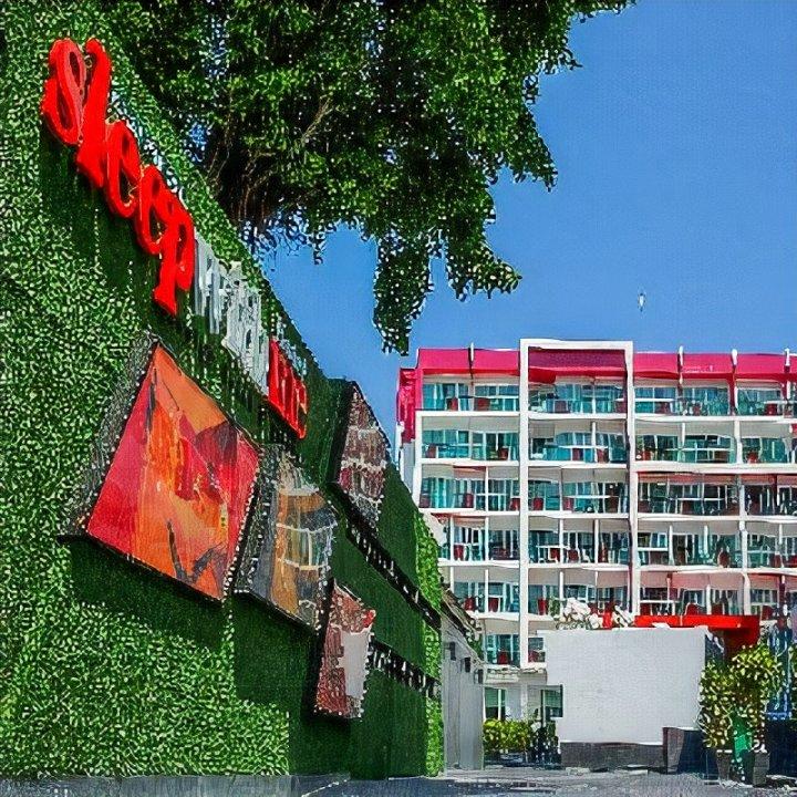 普吉岛芭东与我同眠设计酒店(Sleep with ME Hotel Design Hotel @ Patong)