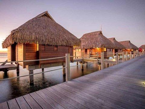 莫雷亚玛纳瓦海滩水疗度假村(Manava Beach Resort and Spa Moorea)