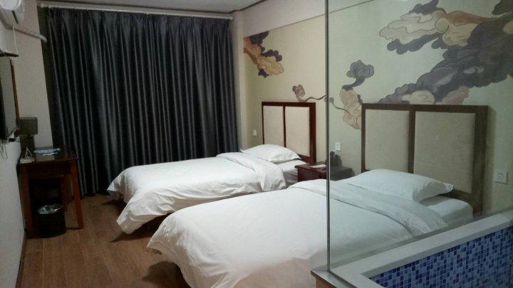 阜新县二十五小时温泉公寓
