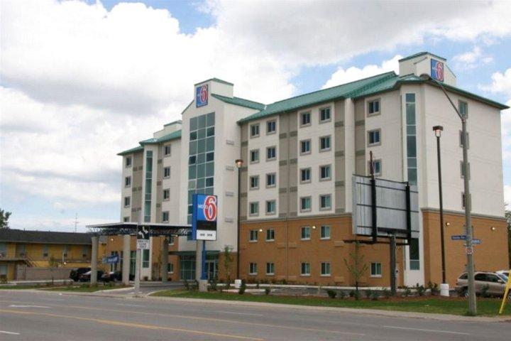 Niagara Hotel Plus