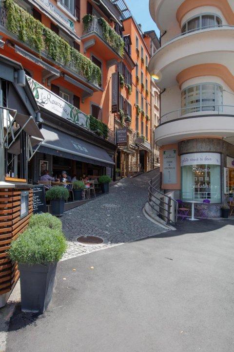 拉鲁维纳兹酒店(La Rouvenaz)
