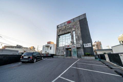 济州岛雷克斯酒店(Jeju Lux Hotel)