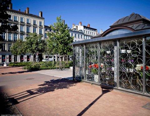 菲尼克斯酒店(Le Phénix Hôtel)