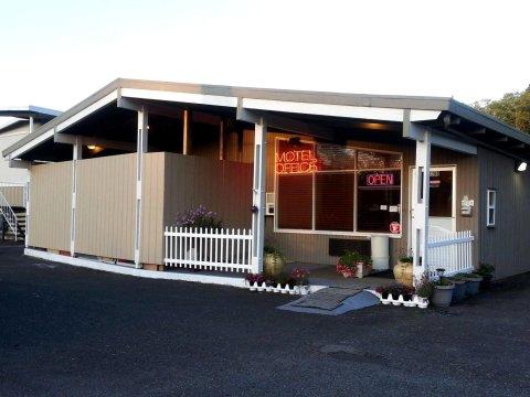 格雷斯港酒店及套房(Grays Harbor Inn & Suites)