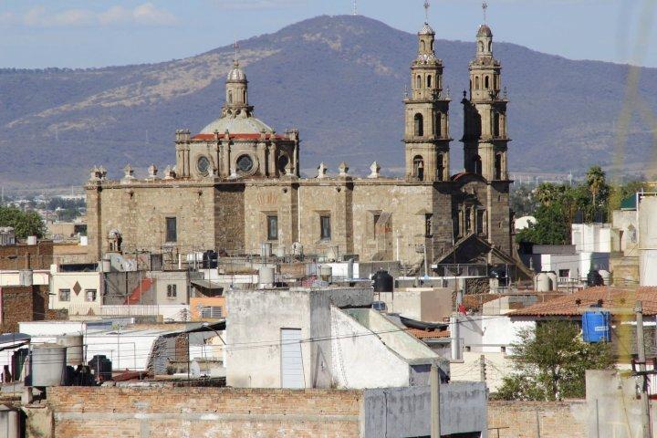 查普尔特佩克套房酒店(Suites Chapultepec)