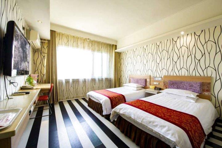 伊宁V8商务酒店