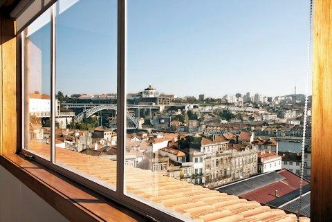证券交易所宫低价观光公寓酒店(Low Cost Tourist Apts Palácio da Bolsa)