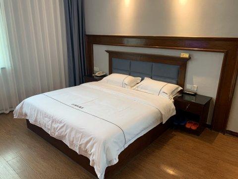 浏阳三湘红大酒店