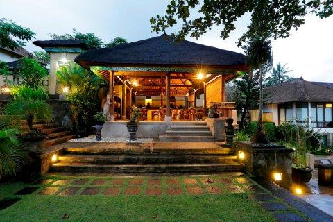 巴厘岛阿乐姆普瑞人文艺术酒店(Alam Puri Art Museum Resort & Spa Bali)