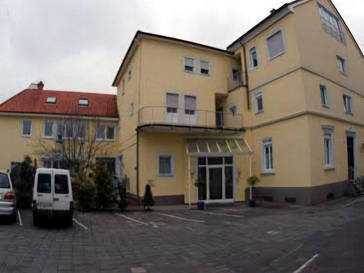 克尔法尔兹酒店(Hotel Kurpfalz)