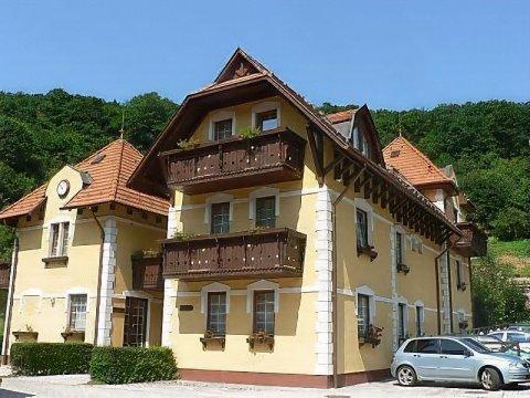 斯泽勒塔酒店(Hotel Szeleta)