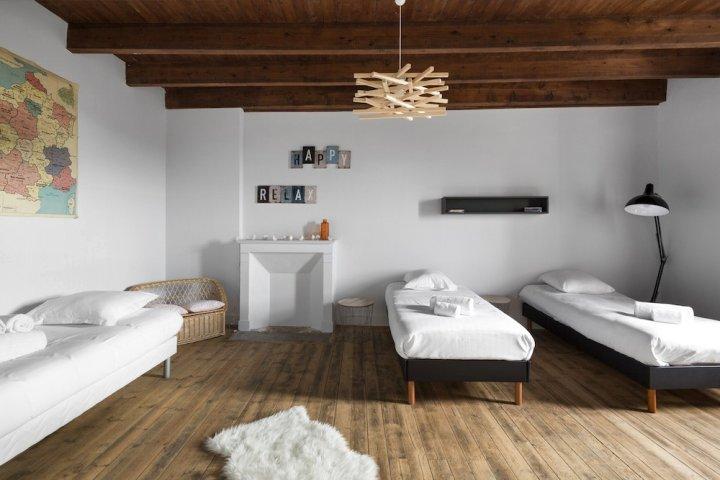 勒库梅宅邸舒适设备酒店(Lécume-maison Confortable et Équipée)
