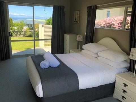 陶波湖畔小屋酒店(The Lakehouse Taupo)