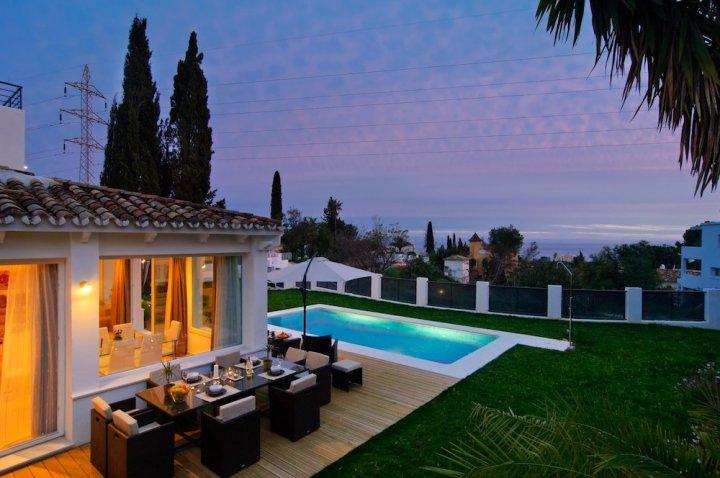 全新别墅埃尔罗萨里奥酒店(Brand New Villa El Rosario)