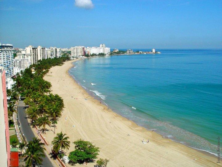 海滨珊瑚海滩公寓(Beachfront Coral Beach Condo)