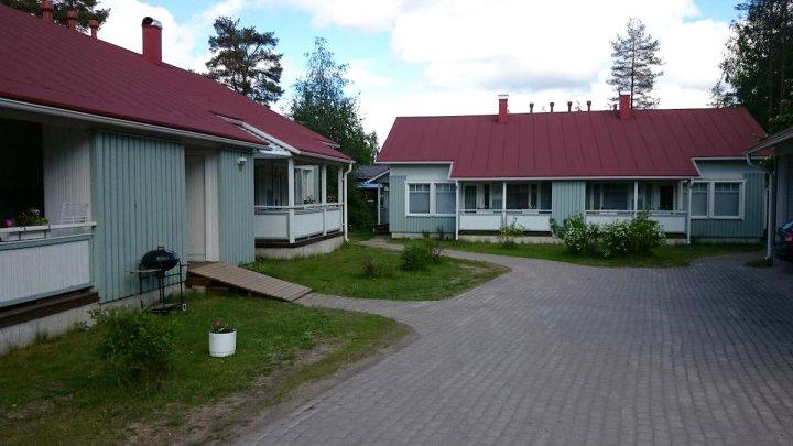 考塔雷提公寓(Kotareitti Apartments)