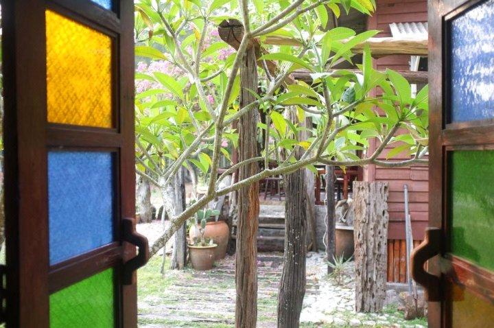 圣帕海滩乡村旅馆(Sepat Village House by the Beach)