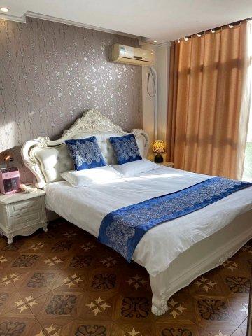 南京湖东大酒店
