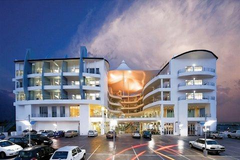 创世纪全套房酒店(Genesis All-Suite Hotel)
