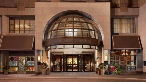 多伦多约克维尔皇家索内斯塔酒店(The Yorkville Royal Sonesta Hotel Toronto)