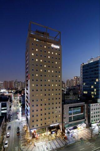首尔华美达安可酒店(Ramada Encore Seoul Dongdaemun)